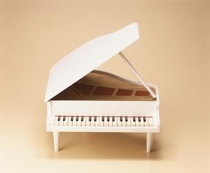 おもちゃのピアノの写真素材 [FYI03831855]
