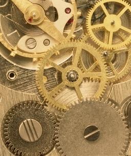 時計の歯車のアップの写真素材 [FYI03831993]