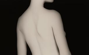 女性の背中(B&W)の写真素材 [FYI03832355]