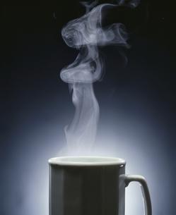 湯気とカップの写真素材 [FYI03833372]