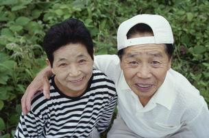 中高年 夫婦の写真素材 [FYI03833400]