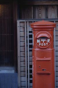 郵便ポストの写真素材 [FYI03833436]