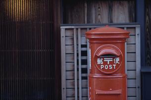 郵便ポストの写真素材 [FYI03833437]