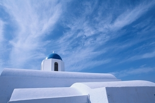 青空と白い建物 サントリーニ島 ギリシアの写真素材 [FYI03833632]