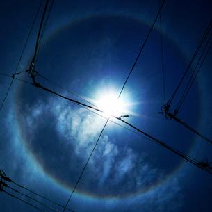 太陽のハロ現象の写真素材 [FYI03834413]