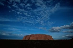 エアーズロック   オーストラリアの写真素材 [FYI03835233]