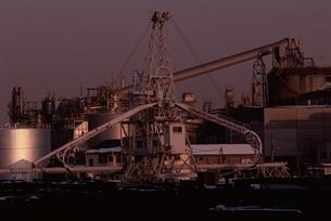 京浜工業地帯   横浜市の写真素材 [FYI03835268]