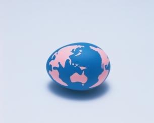 卵形の地球の写真素材 [FYI03836843]
