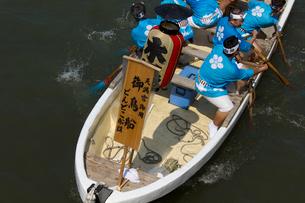 大阪天神祭鉾流神事の御鳥船の写真素材 [FYI03837289]