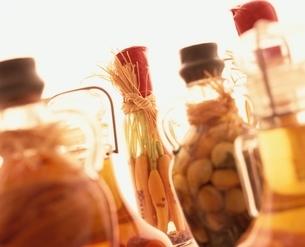 野菜のオイル漬けの写真素材 [FYI03838590]