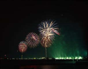 花火大会    琵琶湖 滋賀県の写真素材 [FYI03839179]