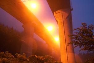 点燈する高速道路高架   錦町 山口県の写真素材 [FYI03839375]