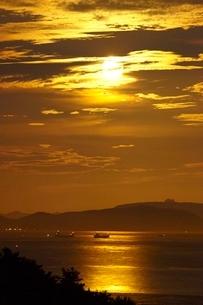 月光の瀬戸内海の写真素材 [FYI03839733]