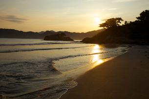 浦富海岸の夜明けの写真素材 [FYI03839851]