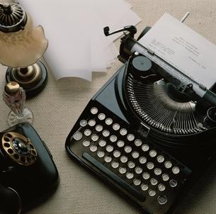 タイプライターの写真素材 [FYI03840019]