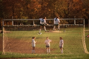 セントラルパークのサッカー少女たち ニューヨーク アメリカの写真素材 [FYI03840144]