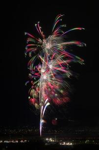 神明の花火の競技花火でColors of Hearts~想いのままに~の写真素材 [FYI03841741]