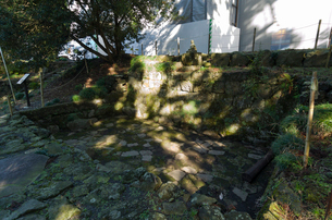 富士山の村山浅間神社参道脇の水垢離場  世界文化遺産の写真素材 [FYI03841850]