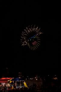 土浦全国花火競技大会の創造花火でパーマが失敗 みだれ髪の写真素材 [FYI03841893]