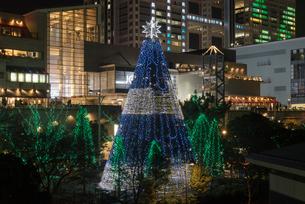 クリスマスイルミ台場メモリアルツリー夜景の写真素材 [FYI03841961]