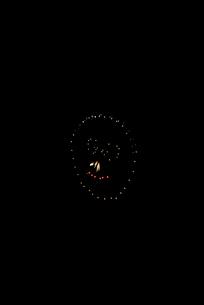 土浦全国花火競技大会でチョビひげ親父は髪の毛1本の写真素材 [FYI03842175]