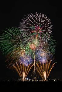とりで利根川大花火の常磐線で行こう!の写真素材 [FYI03842334]