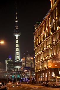 上海夜景の写真素材 [FYI03842794]