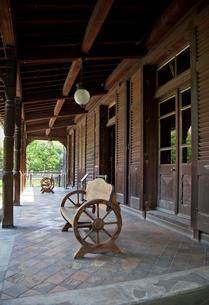 旧岩崎邸庭園の撞球室の写真素材 [FYI03843892]