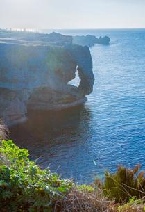 断崖の万座毛の写真素材 [FYI03844422]