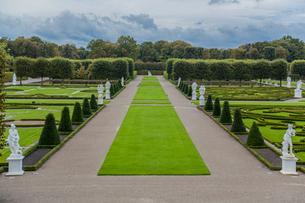 ヘレンハウゼン王宮庭園の幾何学模様の造園の写真素材 [FYI03844625]