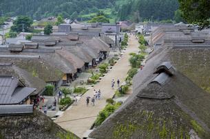 大内宿の茅葺き屋根古民家集落の写真素材 [FYI03844687]