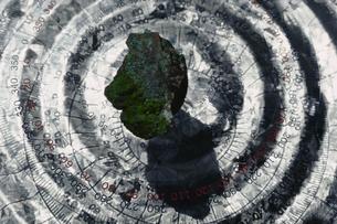 分度器と石の写真素材 [FYI03844878]
