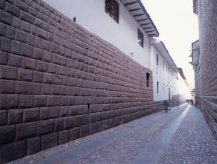 インカの石組みロレト通りの写真素材 [FYI03845635]