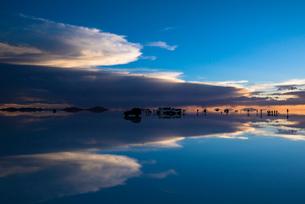 ウユニ塩湖の写真素材 [FYI03846073]