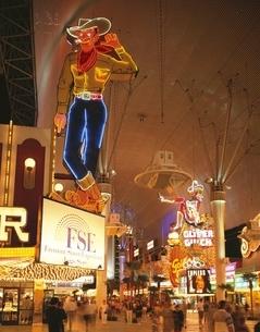 ダウンタウン夜景 ラスベガス アメリカの写真素材 [FYI03847661]