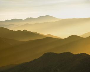 朝の山並み 乗鞍 長野県の写真素材 [FYI03847967]