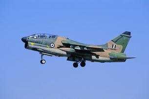 ギリシャ空軍A7コルセア攻撃機の写真素材 [FYI03848881]