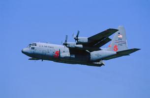 アメリカ空軍C130ハーキュリーズ消防飛行機の写真素材 [FYI03848936]
