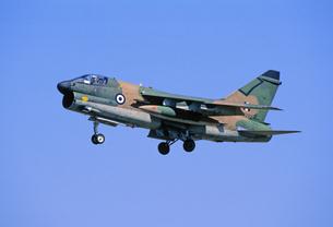 ギリシャ空軍A7コルセア攻撃機の写真素材 [FYI03848941]