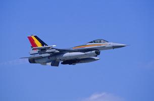 ベルギー空軍F16戦闘機の写真素材 [FYI03848970]