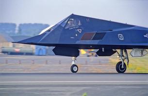 アメリカ空軍F117ステルス戦闘機の写真素材 [FYI03848991]