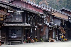 奈良井宿の家並みの写真素材 [FYI03849007]