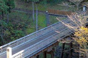 八王子城跡 曳橋の写真素材 [FYI03849346]