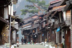 奈良井宿の家並の写真素材 [FYI03849506]