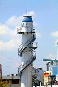 金町浄水場 らせん階段のある塔の写真素材 [FYI03849597]