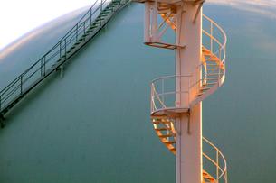 西東京ガスタンクの写真素材 [FYI03849718]