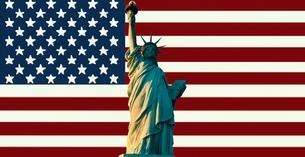アメリカ国旗と自由の女神の写真素材 [FYI03849735]