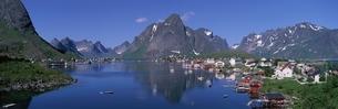 レイネ市の夏 ノルウェーの写真素材 [FYI03850341]