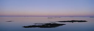 夕方の北極海 ノルウェーの写真素材 [FYI03850342]