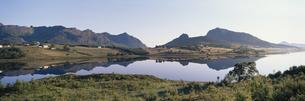 夜明けの村  ラング島 ノルウェーの写真素材 [FYI03850377]